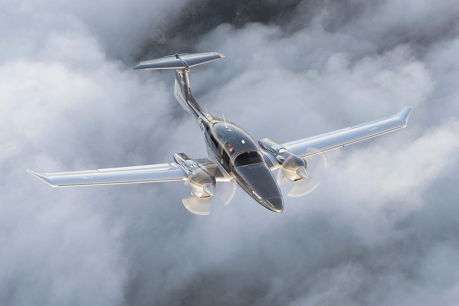 Самолет Diamond DA62
