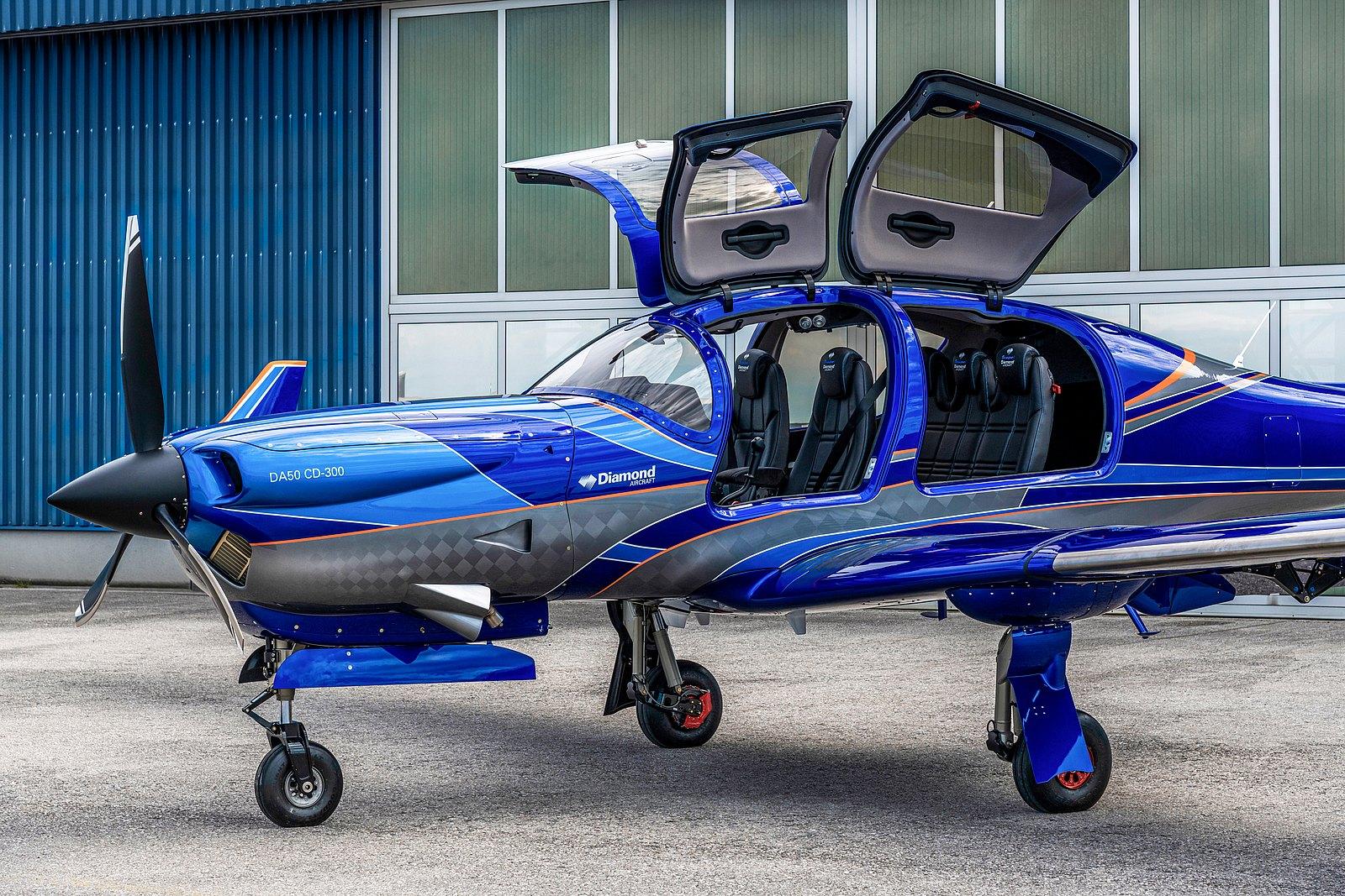 Самолет Diamond DA50 RG